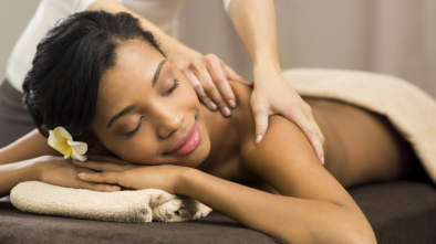 Striking Features of Massage And Aromatherapy Courses